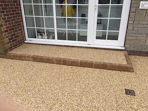 Door step in block and resin bound