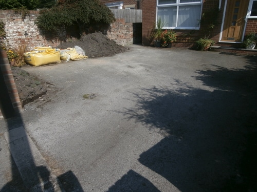 Before pic of old tarmac driveway in Hedon near Hull bfore resin surfacing inatalled